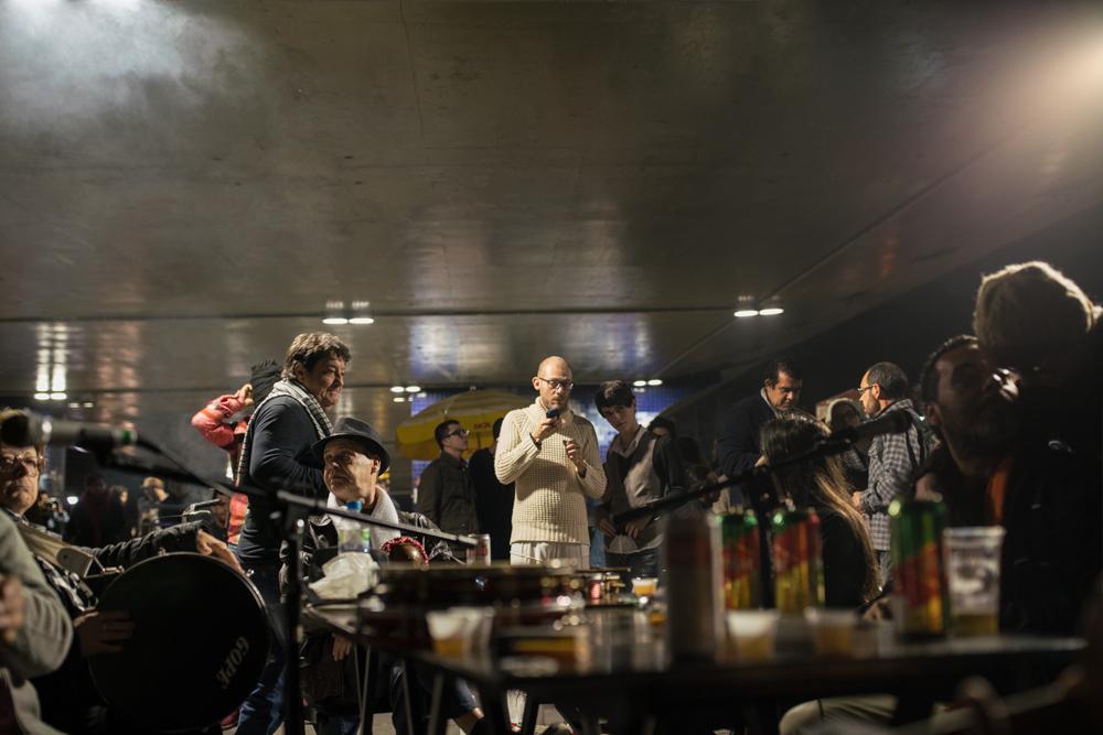 O samba transformou o viaduto, levando música e cultura para as ruas de Porto Alegre