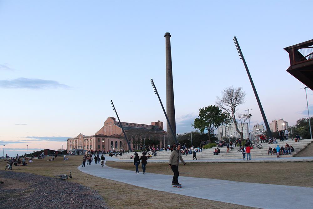 A nova Orla do Guaíba, reinaugurada no dia 29 de junho