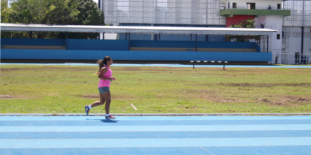 Leticia Duarte, 24 anos, corre no Centro de Esporte Santos Dumont