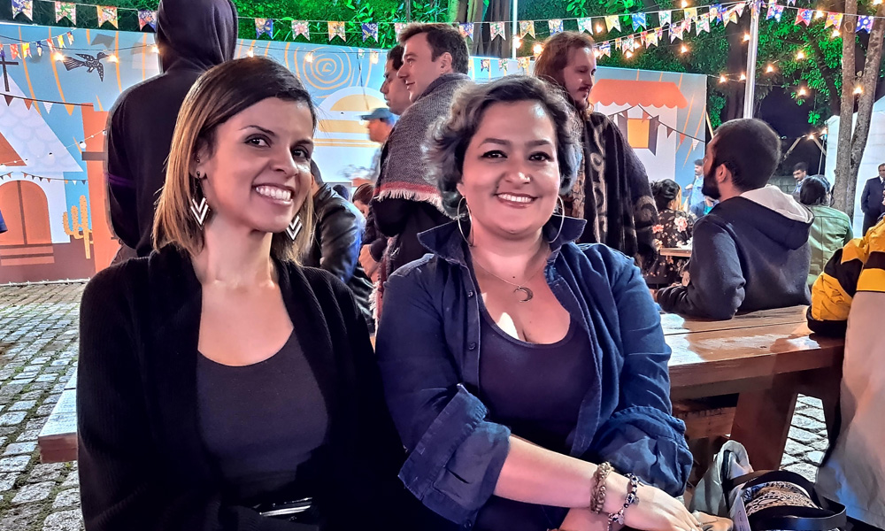 Paula Pereira e Thaís Araújo (Foto feita com o modo Night Vision do motorolaone vision)