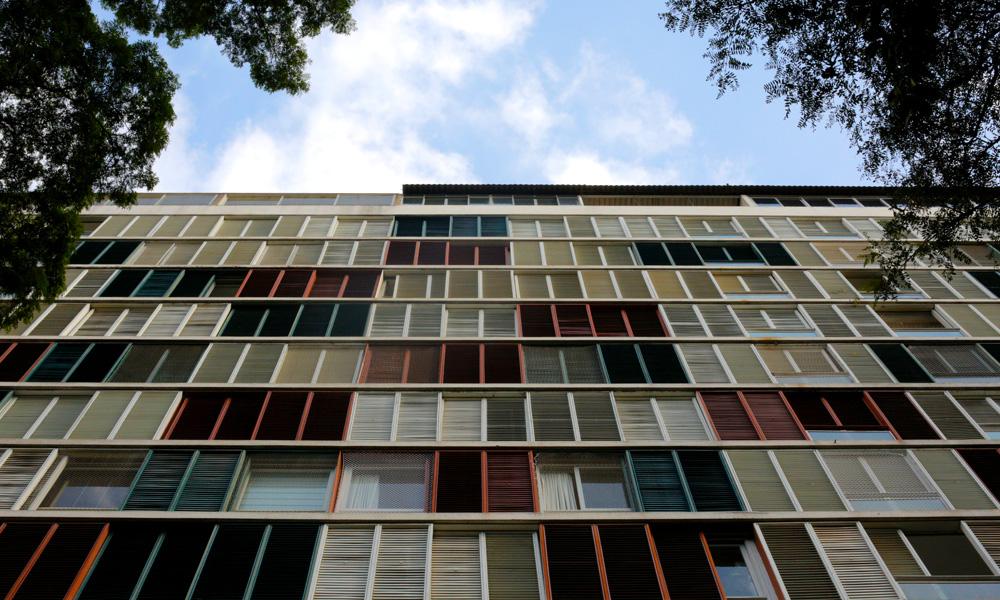 O Edifício Lausanne foi projetado pelo mesmo arquiteto do Edifício Itália, o alemão Franz Heep