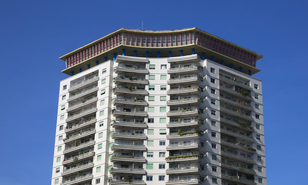 Outra construção de Artacho Jurado: o edifício Planalto com sua configuração diferenciada