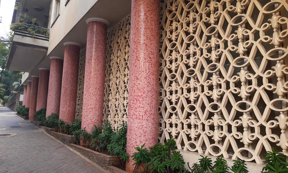 Detalhe da arquitetura do edifício Cinderela, assinado por Artacho Jurado